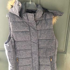 Banana Republic Zip Out Vest with Fur - NWT, Sz S